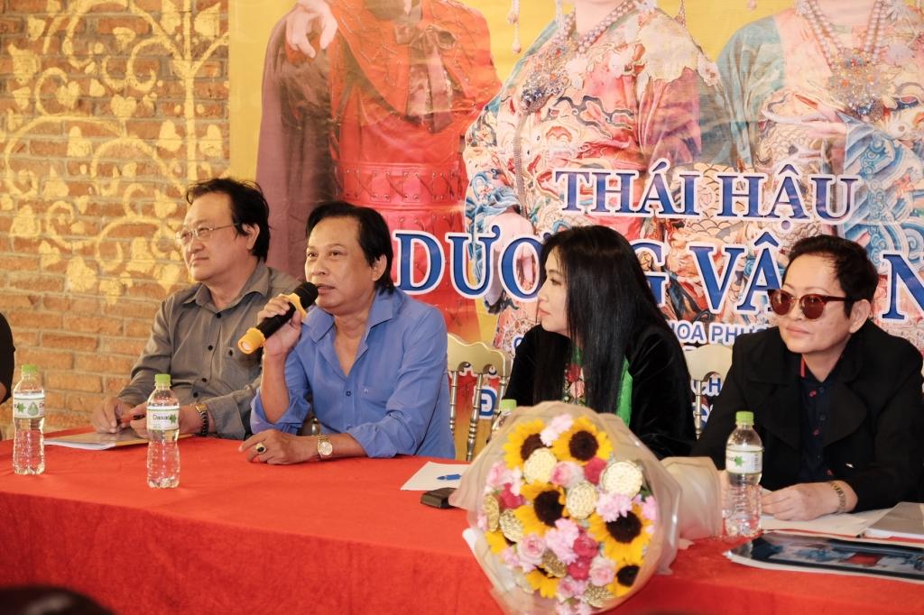 nghe si kim ngan dao dien hoa ha bo tien tui dung lai vo thai hau duong van nga