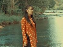 Oanh Kiều thoát mác gái quê, làm nữ tướng cướp trong phim mới