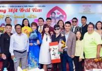 Đông đảo nghệ sĩ 'Chung một trái tim' cùng Phi Thanh Vân