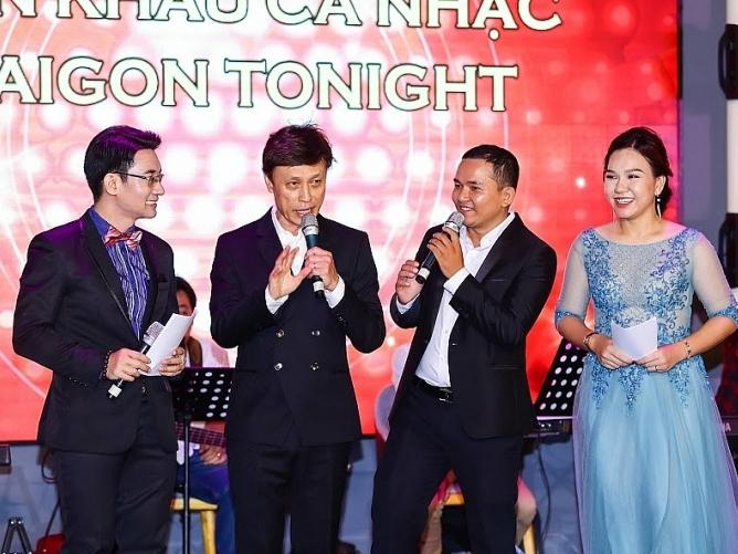 danh ca tuan ngoc phuong dung mo hang cho san khau saigon tonight