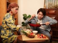 Hải Triều song kiếm hợp bích cùng con gái của 'oan gia'Quang Trung nấu Bò nhiệt đới chống dịch 'Cô Vy'