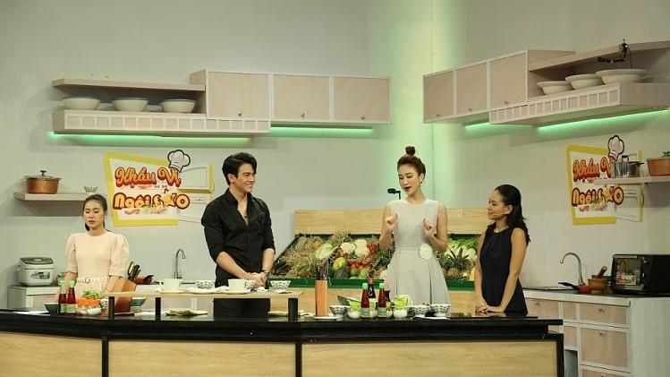 'Khẩu vị ngôi sao': Lê Xuân Tiền bất ngờ khoe giọng cực ngọt với hit quốc dân 'Người tình mùa đông'