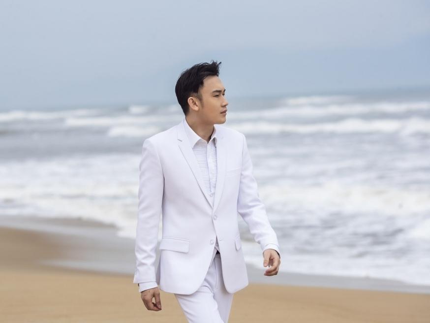 Dương Triệu Vũ ra mắt album 'Uyên Uyển - Những mùa hoa bỏ lại' trước thềm liveshow