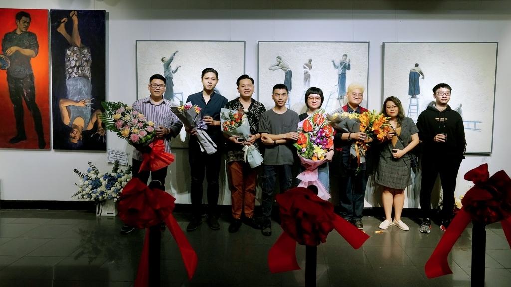 Triển lãm nghệ thuật 'Tầng hai giữa hai tầng': Sự kết hợp mới lạ cùng các chất liệu nghệ thuật đa dạng của 8 nghệ sĩ trẻ