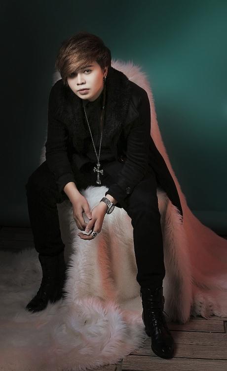 Ca nhạc sĩ Tường Quân song kiếm hợp bích cùng Hồ Quang Hiếu gây xúc động với MV ngôn tình, đẫm lệ