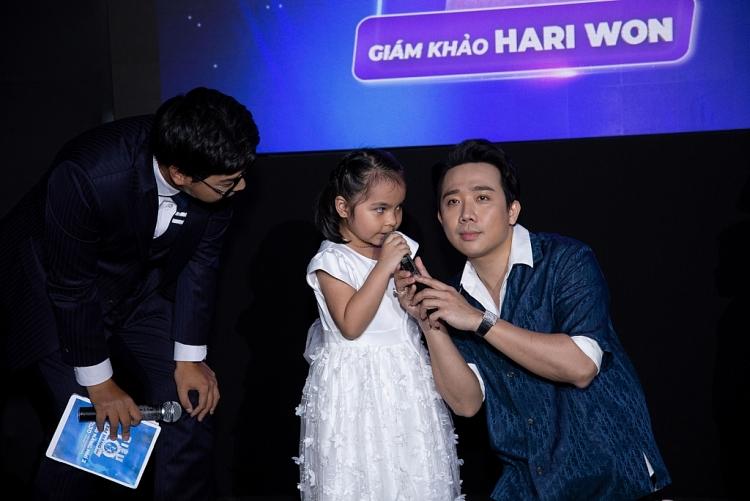 'Siêu tài năng nhí': Trấn Thành, Hari Won ngả mũ bái phục siêu nhí 5 tuổi tính nhẩm nhanh như chớp