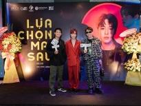 Hot tiktoker triệu view Sobe 'chào sân' V-Pop với MV 'Lựa chọn mai sau'