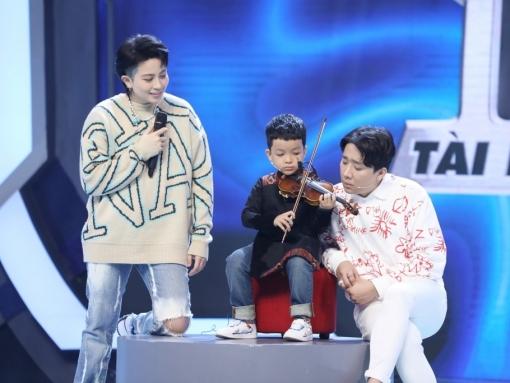 Trấn Thành và Hari Won 'tan chảy' trước cậu bé 6 tuổi chơi violin cực đỉnh