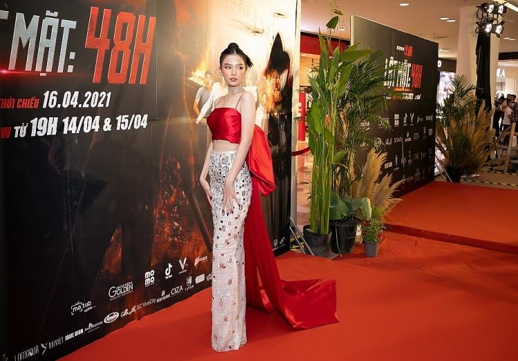 'Lật mặt: 48h': Lê Hạ Anh chiếm spotlight, 'chặt chém' không thua kém bất kỳ người đẹp nào trên thảm đỏ