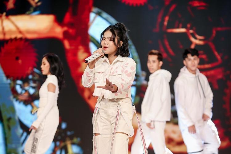 Giữ vững phong độ, Đăng Bách của đội Vũ Cát Tường - Hưng Cao xuất sắc giành giải Quán quân 'Giọng hát Việt nhí New Generation 2021'