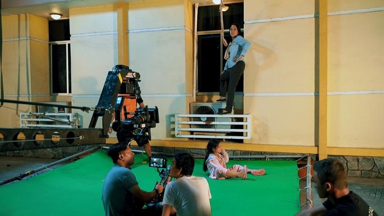 Sự thật phía sau cảnh phim nguy hiểm 'thót tim' của mẹ con Ốc Thanh Vân trong 'Lật mặt: 48h'
