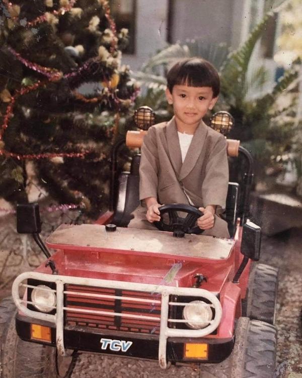 Chỉ trong 1 đêm, Thuận Nguyễn gây bão cư dân mạng với 2 bộ ảnh mừng sinh nhật