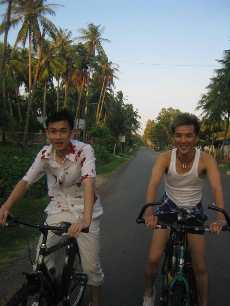 dam vinh hung duong trieu vu ke chuyen tinh tri ky bang am nhac