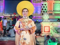 a hau thi phuong tu tin do sac cung rung chan dai tai festival hue 2018