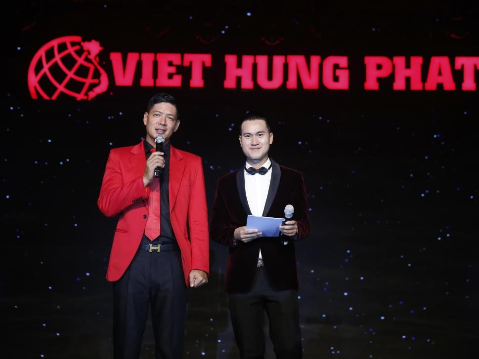 Sự kết hợp bất ngờ của hai nam MC hot nhất hiện nay: Bình Minh - Chí Cường