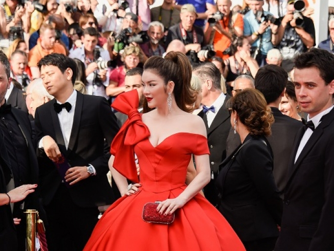 ly nha ky tro thanh cinderella trong ngay dau tien tai cannes 2018