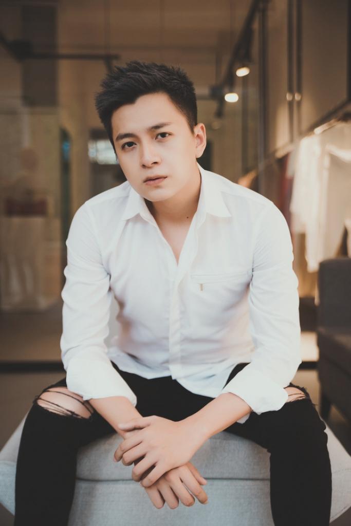 ngo kien huy lam host show am nhac co my tam mr dam lam giam khao
