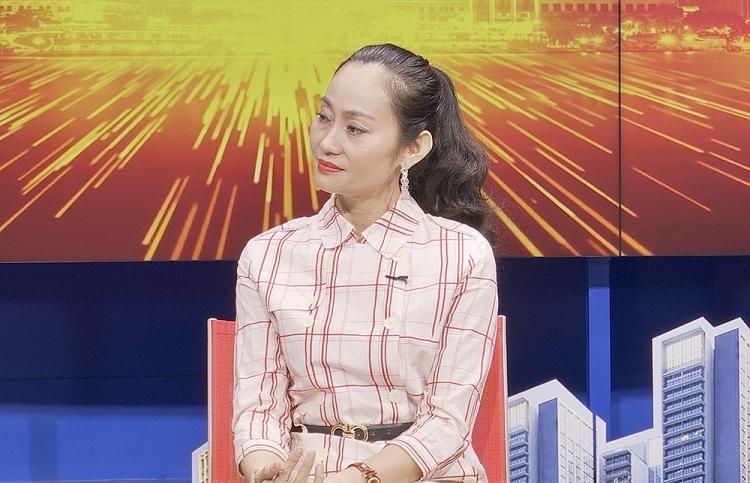 dong nghiep khong muon quyen linh muon roi showbiz