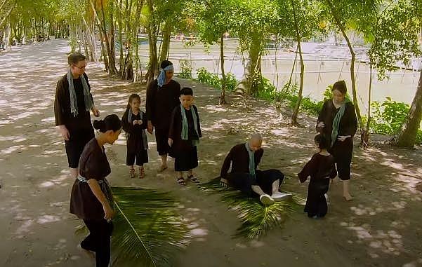 thu thach lon khon hai gia dinh doan trang va nguyen hai phong cung kham pha mien tay