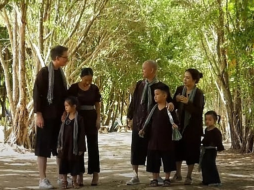 gia dinh doan trang va nguyen hai phong cung kham pha mien tay trong thu thach lon khon