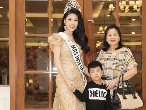 Hoa hậu Loan Vương: Chủ động giao việc để con trai bớt nghịch