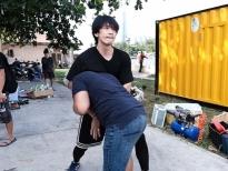 Tuấn Trần dành 2 tháng tập luyện các pha hành động trong phim 'Xin chào Papa'