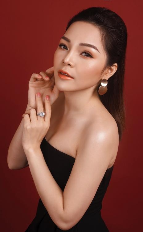 Lâm Nguyệt Ánh – Giải ba 'Giọng ca vàng Bolero phía Bắc 2018' tung MV 'Huế tình yêu của tôi'
