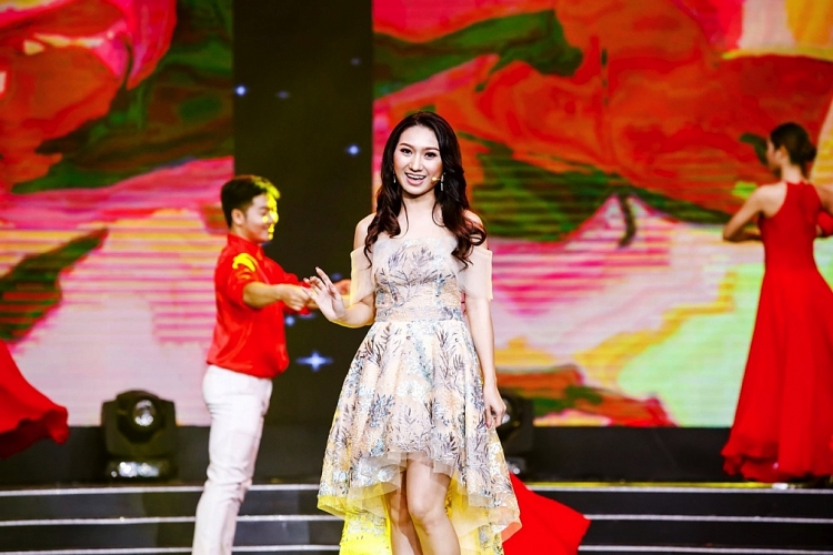 lam nghe thuat am tham cao my kim song cham lai de duoc song cho chinh minh