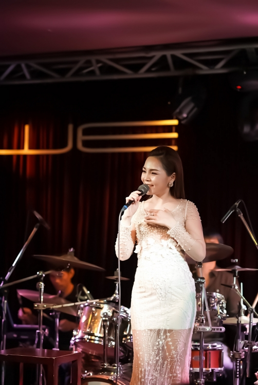 lam nguyet anh ghi dau an trong minishow nhac tinh muon thuo so 19