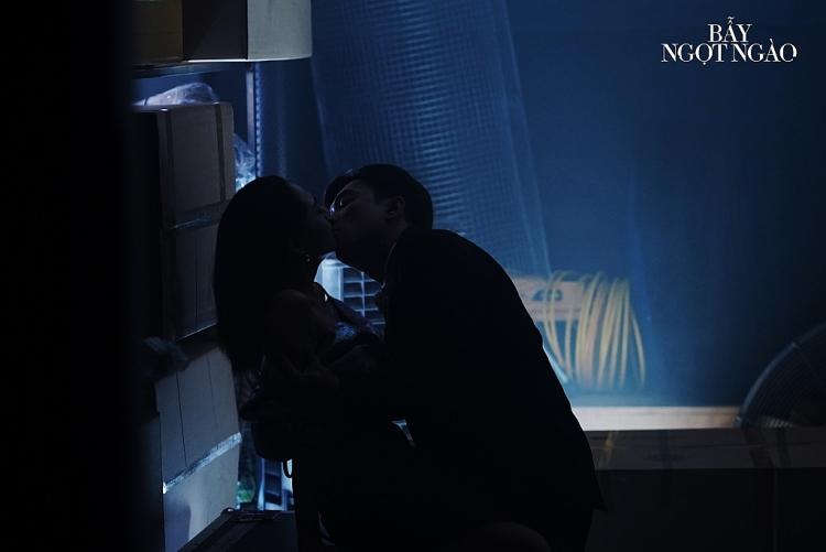 Minh Hằng choáng váng khi đạo diễn yêu cầu cởi hết đồ trong 'Bẫy ngọt ngào'