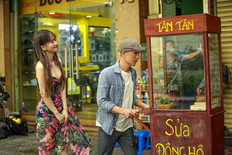 Minh Tâm Bùi làm mới bản hit triệu view với MV saxophone 'Hoa nở không màu'