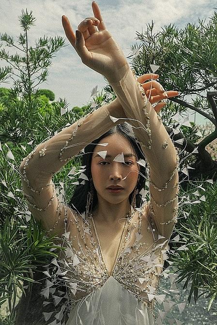 Mai Thanh Hà gây chú ý với bộ ảnh non nước hữu tình, đậm chất Á Đông
