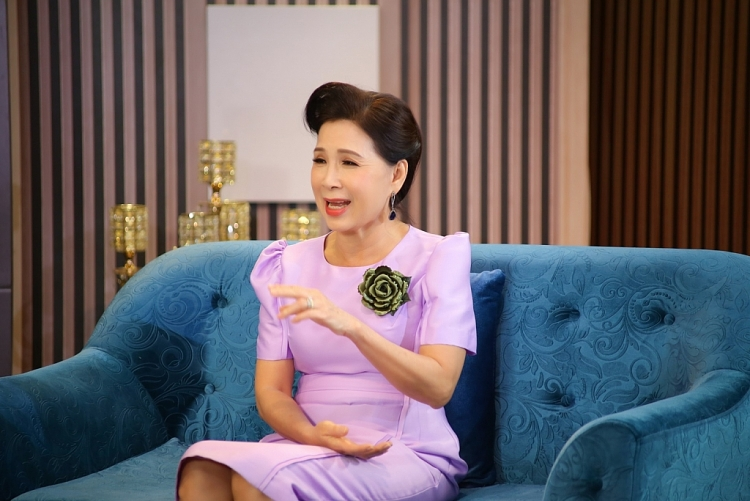 NSND Kim Xuân từng đánh đổi hạnh phúc gia đình để theo đuổi đam mê sự nghiệp