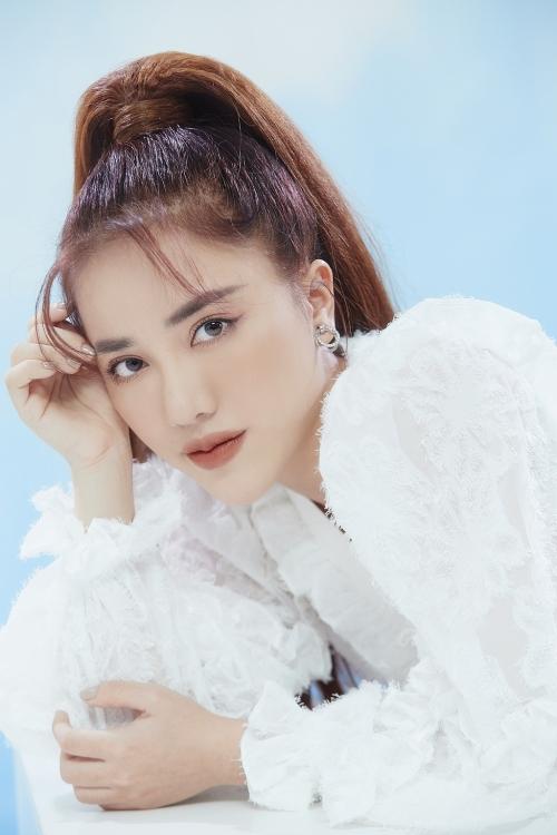 Thổi nến mừng tuổi mới, Phùng Khánh Linh tiết lộ tour xuyên Việt dành tặng fan của mình