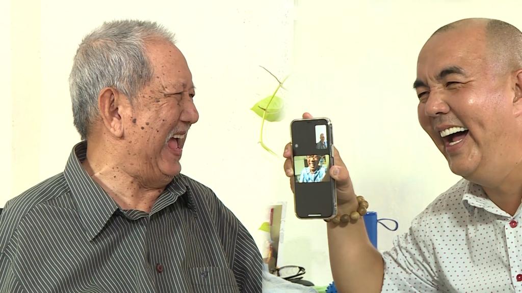 'Gõ cửa thăm nhà': Nghệ sĩ Mạc Can 'chăn đơn gối chiếc' chống chọi với bệnh tật tuổi xế chiều