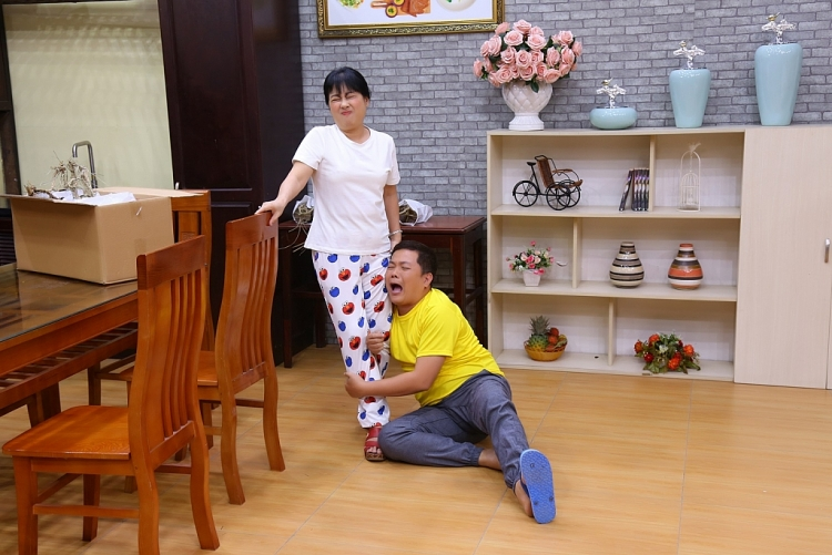 Nhà tôi 3 đời... và câu chuyện 'cười ra nước mắt' của Thanh Thủy, Trung Dân trong 'Bí kíp hạnh phúc'