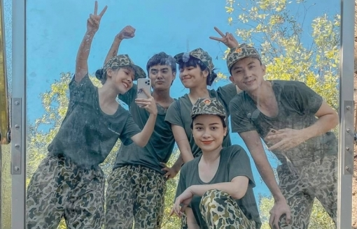 Giữa tâm bão yêu vợ bạn, Dương Hoàng Yến kết hợp cùng Đạt G ra MV mới, tên ca khúc đặc biệt gây tò mò