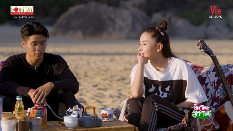 'Ẩm thực kỳ thú' dừng chân ở Phú Yên, Song Luân mặc kệ Khả Như ngắm bình minh cùng trai đẹp Tôn Kinh Lâm