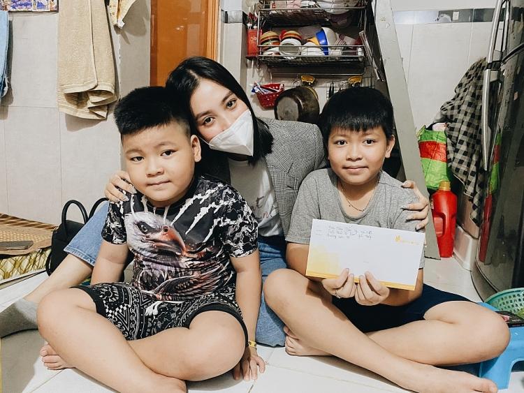 Kiều Loan, Thúy Vi, Mai Phương chung tay quyên góp cho quỹ hỗ trợ ung thư của Tiểu Vy