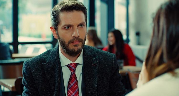 'Trái cấm': Nghĩ Alihan đã 'lên giường' với Ender, Zeynep kết hôn với người khác để trả thù?