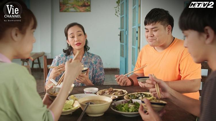 'Cây táo nở hoa' tập 22: Hoang tưởng Tuấn - Châu đưa nhau lên giường, Lam 'hóa điên' tự tử để trả thù chồng