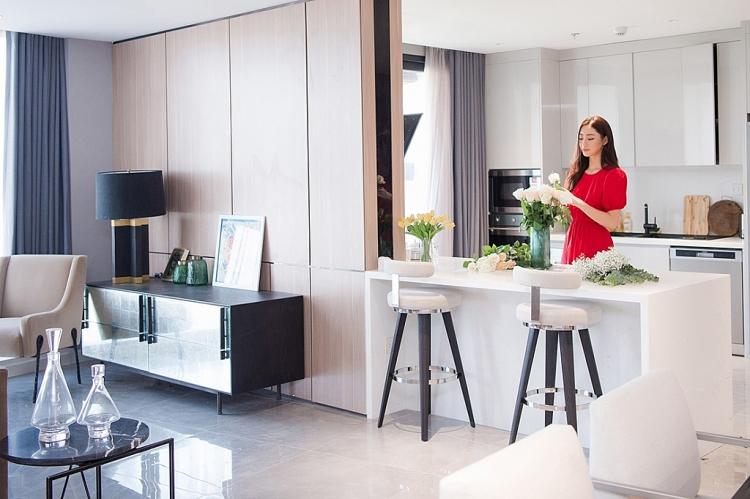 Ngắm căn penthouse tiền tỷ ở Hà Nội của Lương Thùy Linh