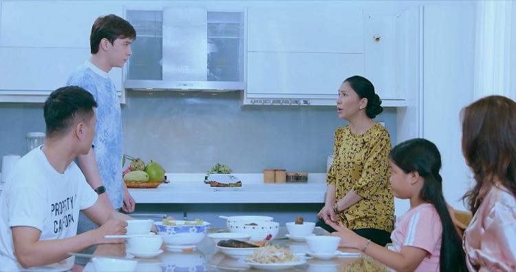 Nghệ sĩ Thụy Mười trở lại vai 'mẹ chồng lắm chiêu' trong phim sitcom LGBT 'Mẹ chồn dâu cáo'