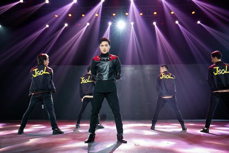 Mang cải lương lên sân khấu 'The Heroes', học trò Hoàng Thùy Linh - VP Bá Vương được dàn Master khen tới tấp