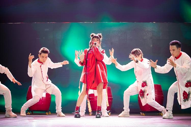 'Con gái diva Mỹ Linh' khiến khán giả 'nổi da gà' trong 'The Heroes 2021'