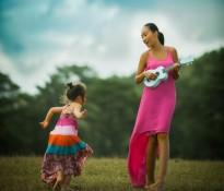 """Đoan Trang mừng sinh nhật con gái bằng ca khúc """"Soleil - Mặt trời của mẹ"""""""