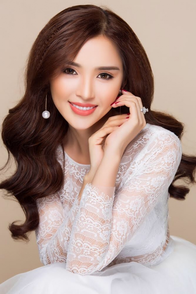hotgirl luong le tham gia hoa khoi thanh lich viet nam 2017