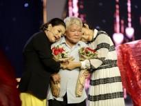 NSƯT Kim Xuân, ca sĩ Phi Nhung rớt nước mắt khi người cha vừa phẫu thuật lên sân khấu hỗ trợ cho Kiều Trinh