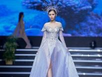 a hau thanh trang hoa nu than khoe than thai sieu sang tai viet fashion week
