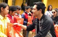 Phan Anh - Hải Dương chung tay thực hiện dự án 1.000 tủ sách cho trẻ em vùng cao